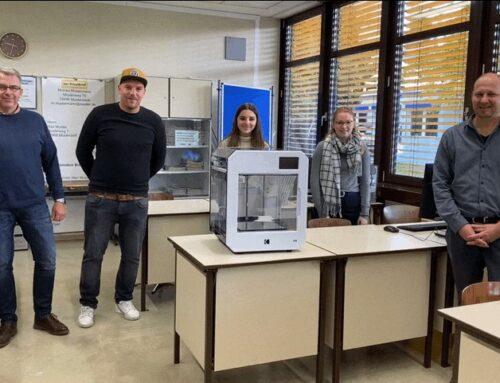 Spaß an der Technik vermitteln – Fa. OKM3D unterstütz Hans-Edelmann-Mittelschule mit 3D-Drucker